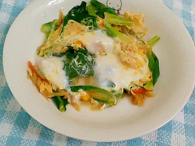 切り干し大根の煮物の残りで簡単!小松菜の卵とじ&丼