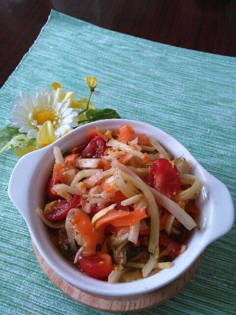タイのソムタム風サラダ