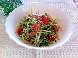シャキシャキ☆水菜とベーコンのピリ辛炒め♪
