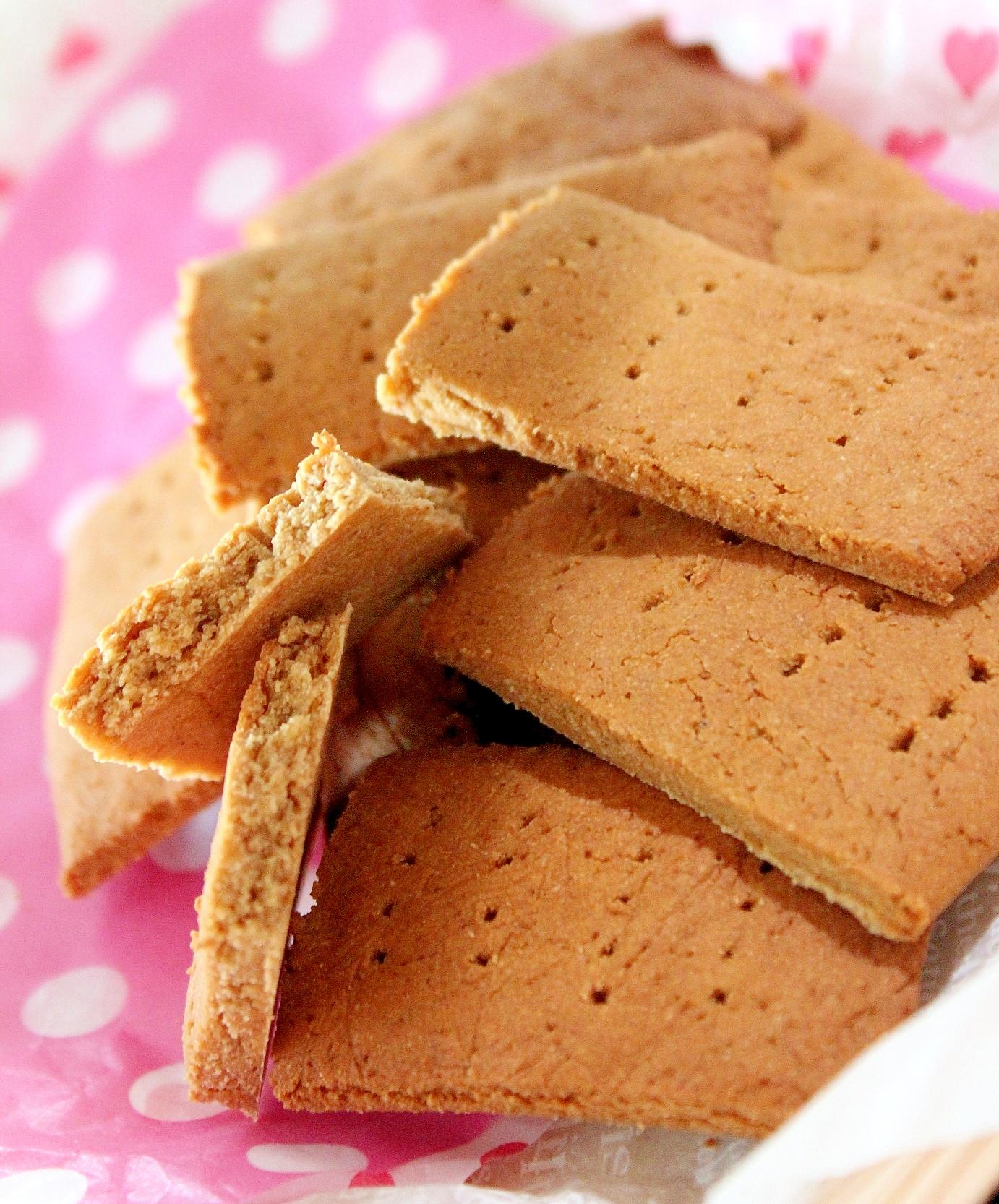 米ブラン入ピーナッツの塩ショートブレッド風クッキー