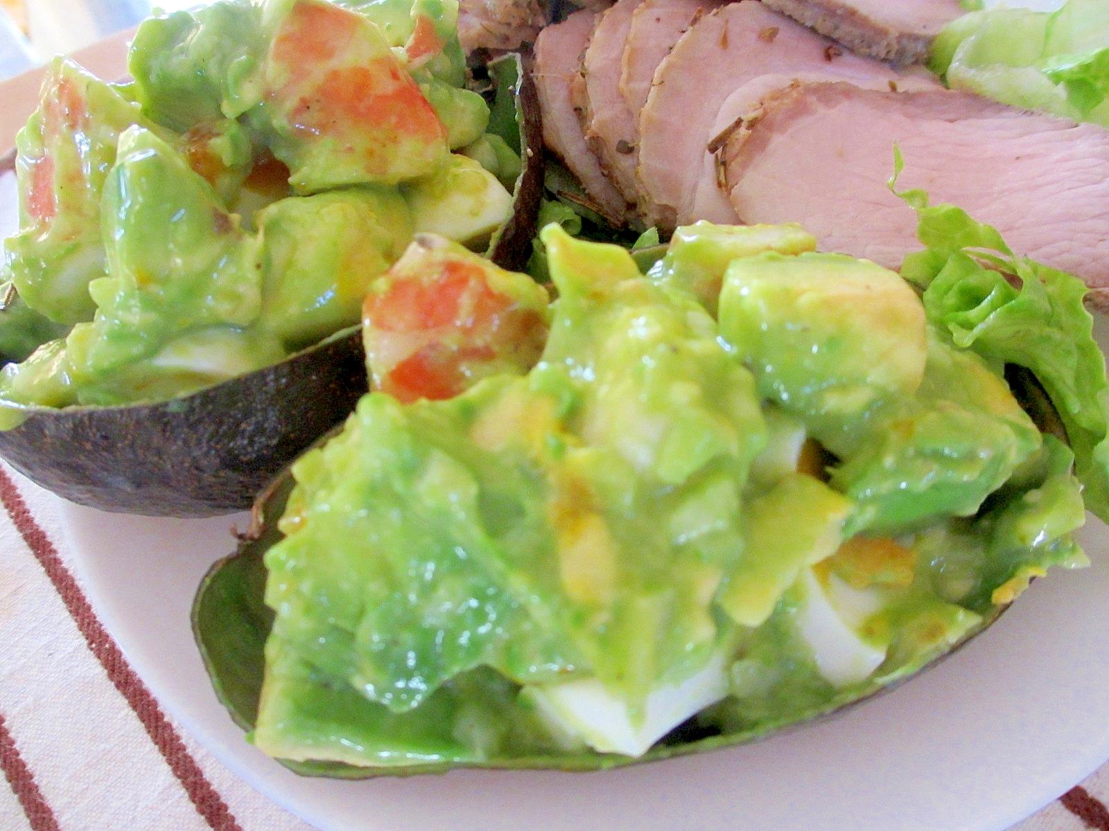 アボカド・エビ・ゆで卵のサラダ