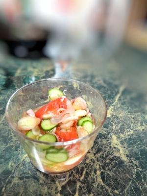 トマトとみょうがの秋の和風サラダ