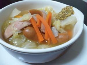 ☆キャベツとソーセージのうま簡単スープ☆