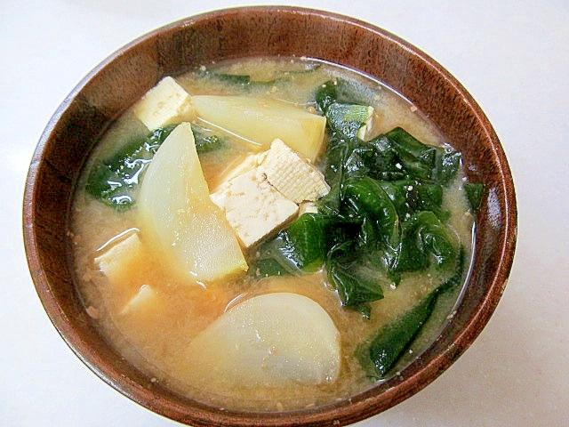 *かぶと豆腐のほっこり味噌汁*