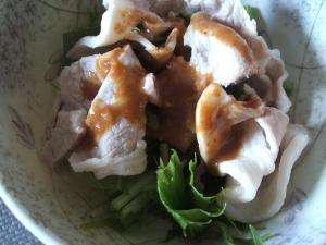 ゆで豚と水菜の味噌胡麻ドレサラダ
