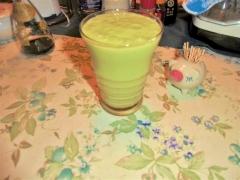 アボガドの飲むヨーグルト風ドリンク