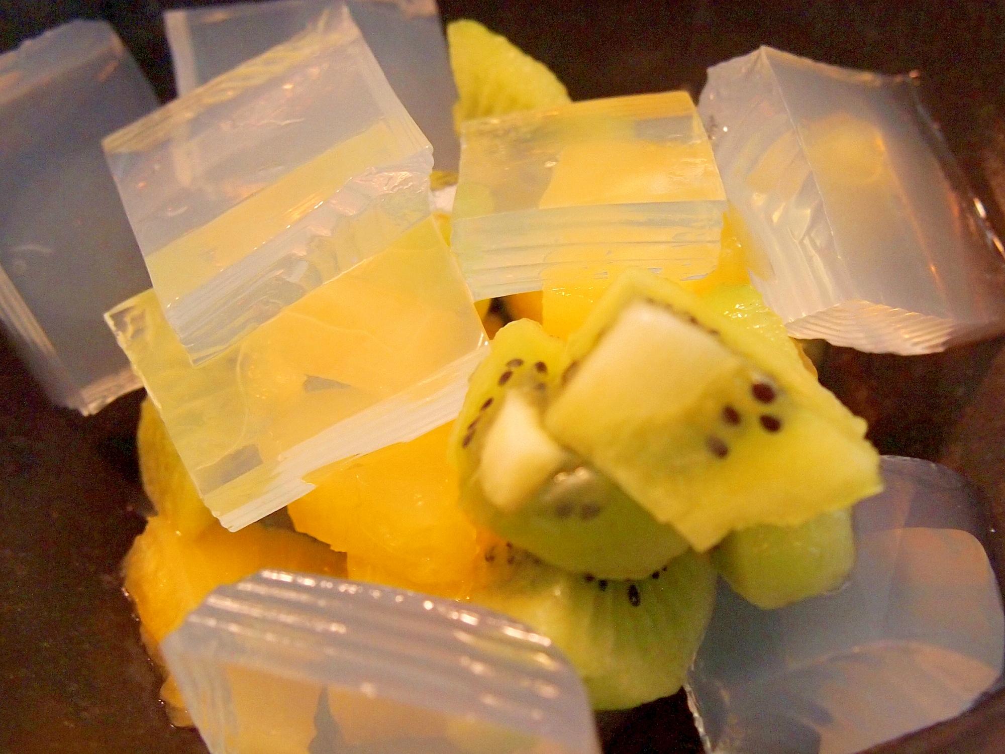 パイン&キウイのレモン寒天白蜜和え