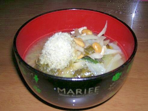 とろろこぶと納豆の味噌汁