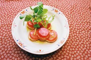 トマトとツナのミルフィーユサラダ