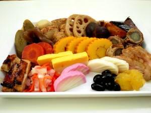 おせちに:煮しめ;椎茸、鶏だんご、牛蒡、こんにゃく