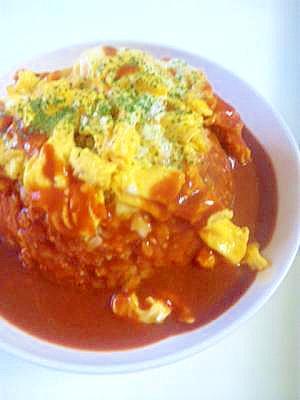 ふわとろ卵のチーズインオムライス&デミグラスソース