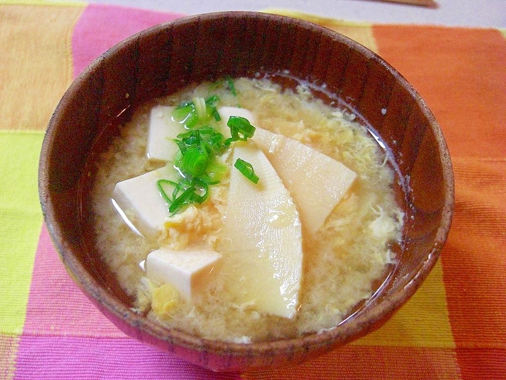 3. たけのことお豆腐のかきたま汁