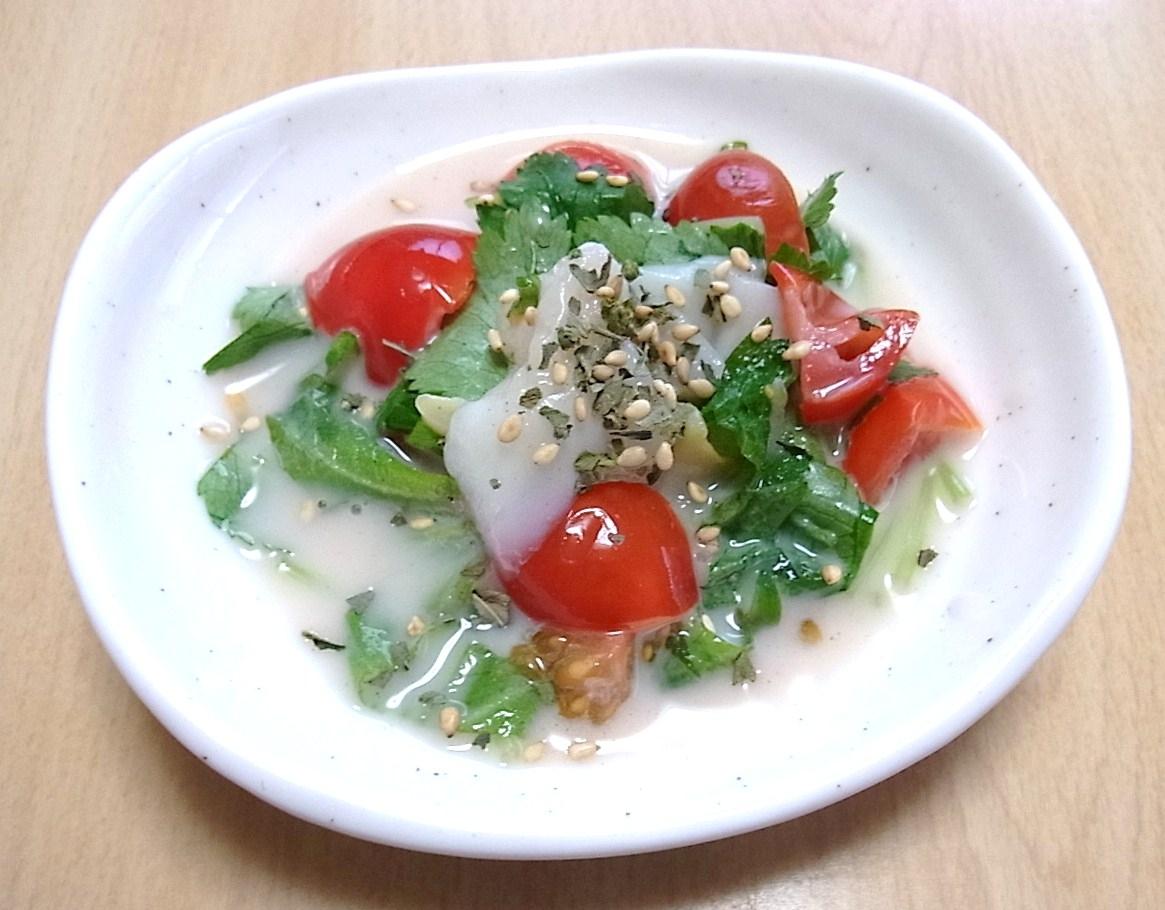 つぶ貝とトマトのミルク和え