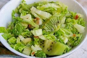 キウイと白菜のサラダ