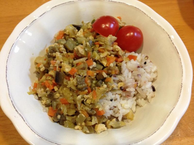 残り野菜と挽肉の丼物