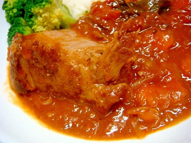 牛肉のカレー風トマト煮込み