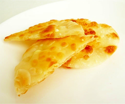 1. 話題の焼きロッピー「トロトロ包み焼きチーズ」