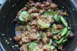 豆と雑穀のサラダ