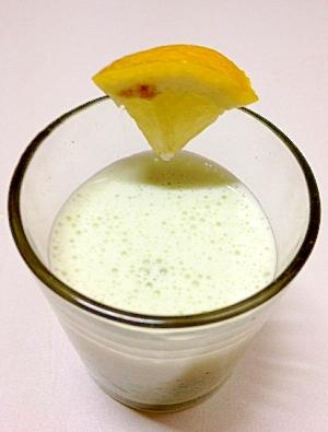 【グリーンスムージー】ラディッシュの葉で野菜牛乳