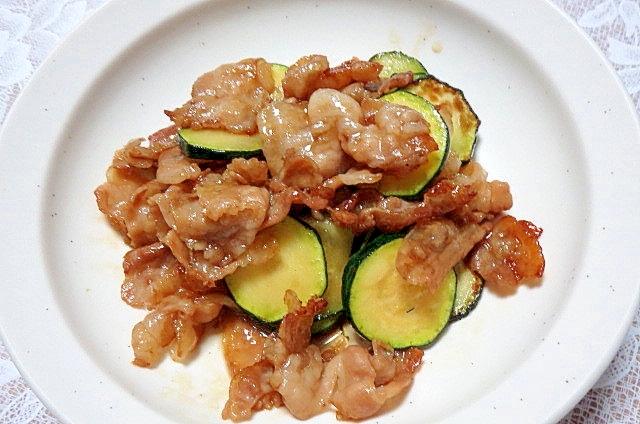 ズッキーニと豚バラのマヨ炒め