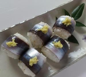 鰯の手まり寿司