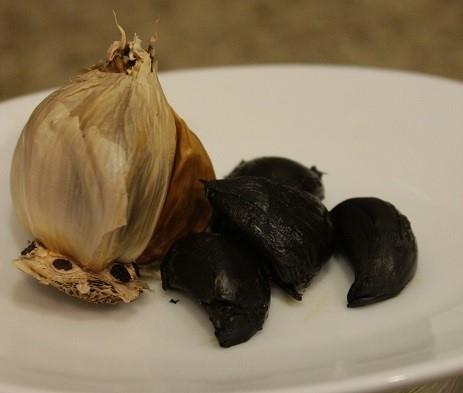 2.炊飯器で熟成黒にんにく