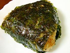牛蒡と韓国海苔の香味おにぎり。