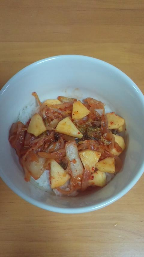 リンゴ入りキムチ丼