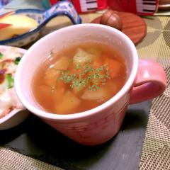 キャベツの芯と人参と卵白の大麦スープ