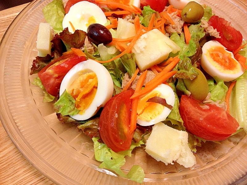 【基本レシピ】ニース風サラダの作り方。どんな料理かも解説!