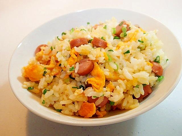 創味シャンタンで ウインナーと卵と葱のチャーハン レシピ・作り方 by ぷ〜みぃまま♪|楽天レシピ