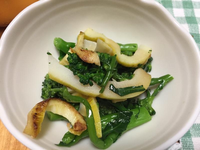 白い器に盛ったブロッコリーと淡竹の和え物
