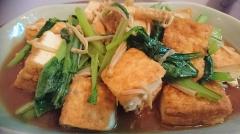 厚揚げと小松菜の生姜醤油炒め