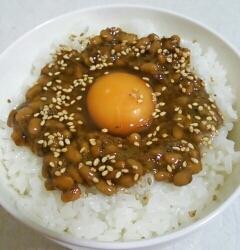 海苔の佃煮で納豆卵かけご飯♪