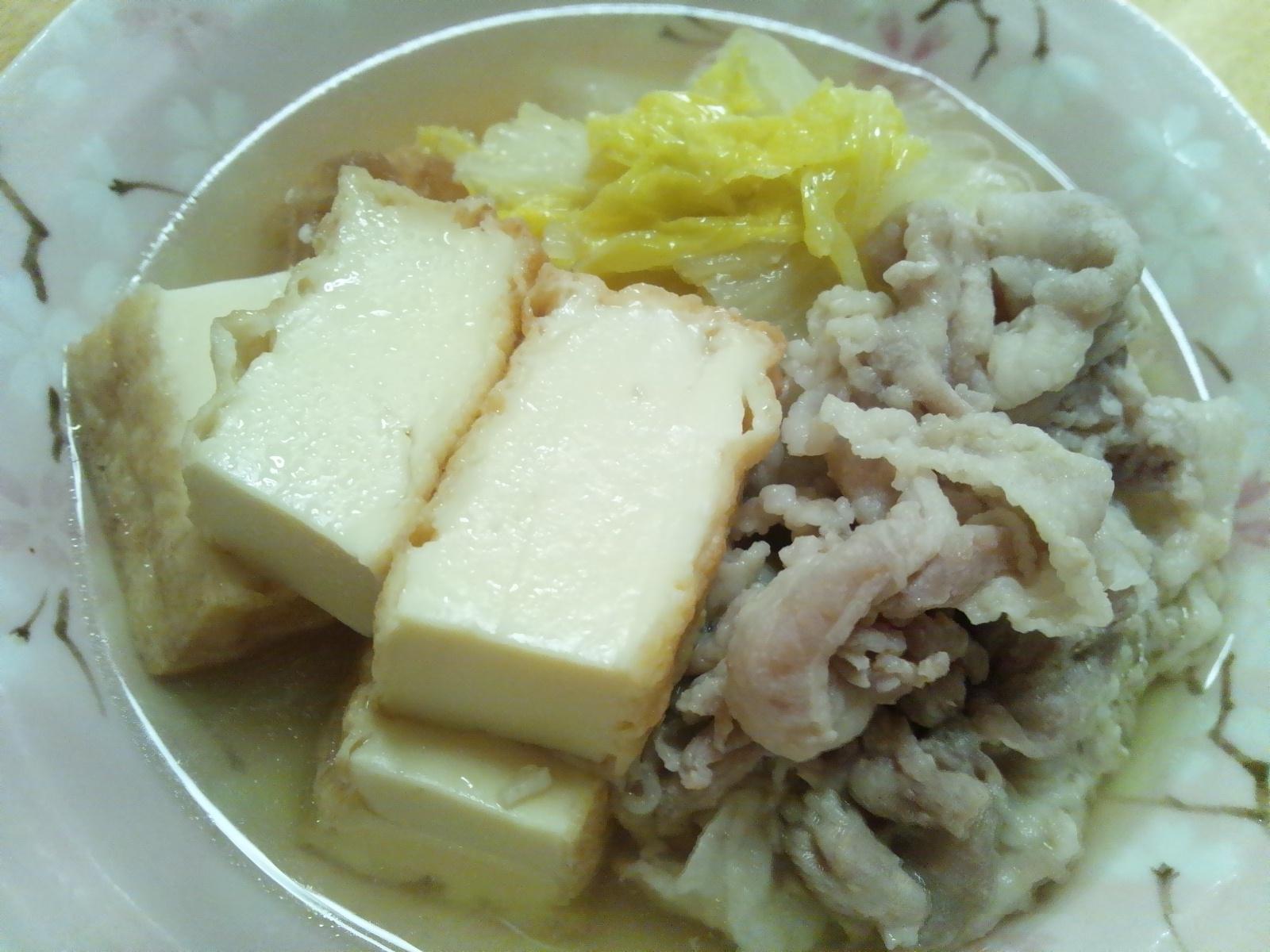 豚肉と厚揚げ(絹揚げ)と白菜の煮物♪