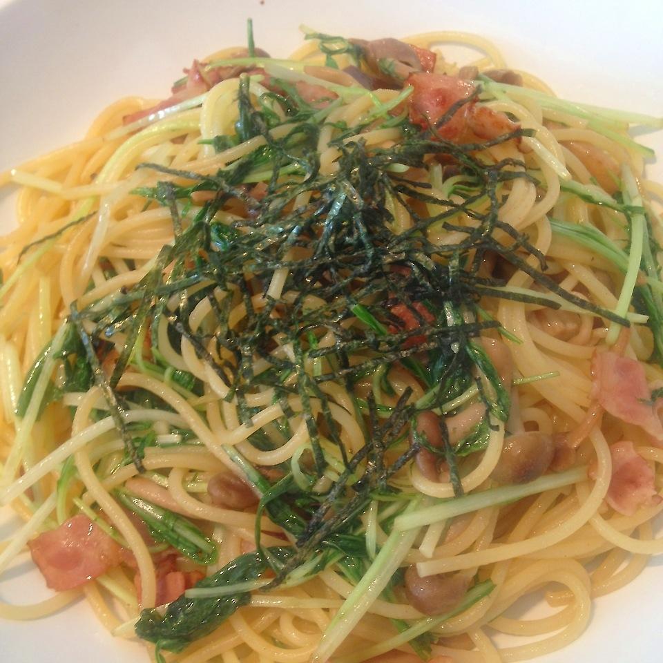 水菜とベーコンとしめじの和風パスタ
