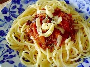チーズたっぷりのミートソーススパゲティー