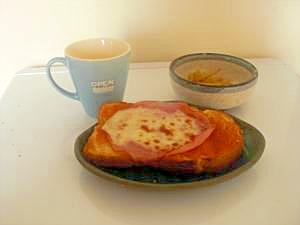 朝ごはんに☆簡単ピザ風トースト