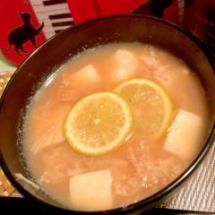 すだち薫る 白い具材のお味噌汁