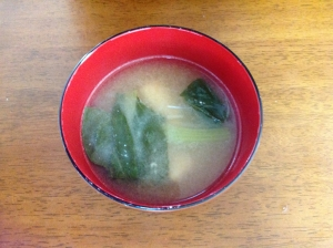 小松菜と油揚げの味噌汁