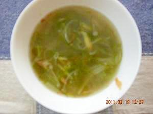 生姜でぽかぽか♪簡単ヘルシーメカブと納豆のスープ レシピ・作り方