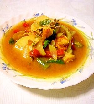シーフードと夏野菜のカレースープ