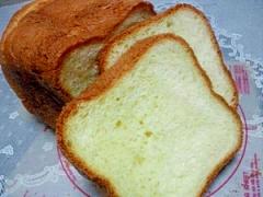 塩麹とオリーブオイルでふわふわ食パン