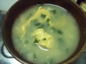 青ネギと玉子の味噌汁