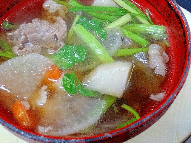 2. 野菜たっぷりの牛肉入り芋煮
