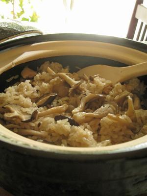 ちょい干しキノコの炊き込みご飯@土鍋