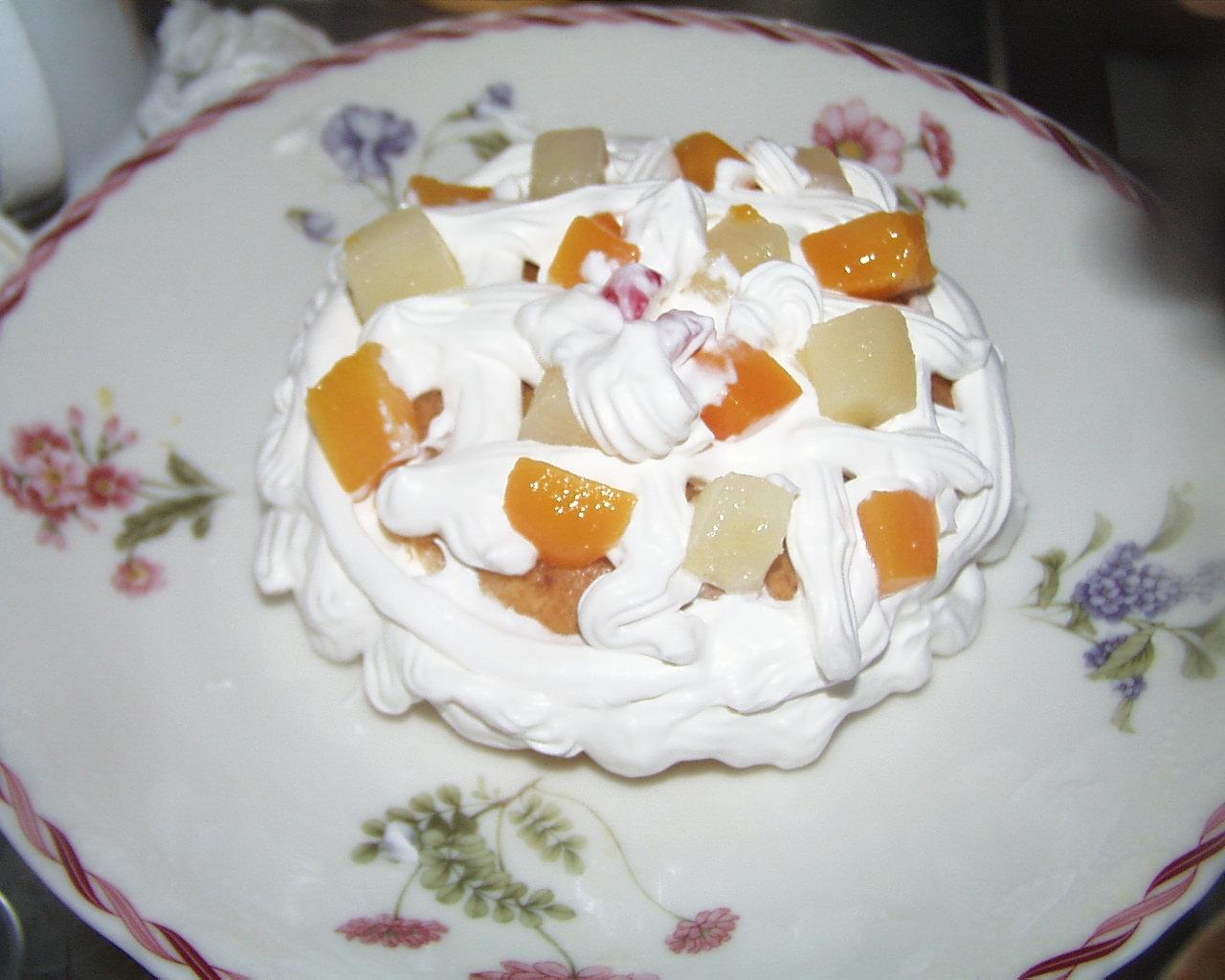 洋なし、黄もも、パイナップルホイップクリームケーキ