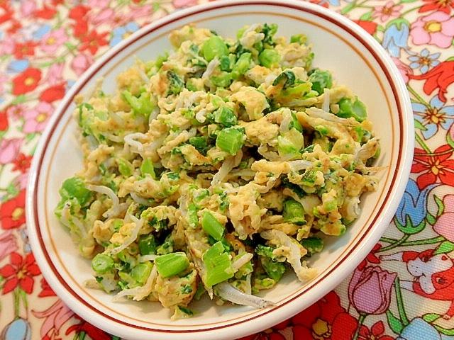 4. アスパラ菜としらすのコク旨卵とじ