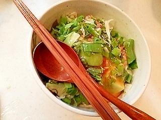 納豆と野菜の丼