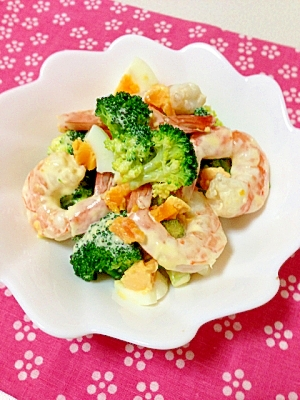 海老とブロッコリーのタルタル風サラダ